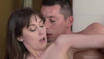 Johnny Castle and Nikki Sexx are having sex
