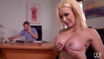 Curvy Sheila Grant gets nasty in kitchen